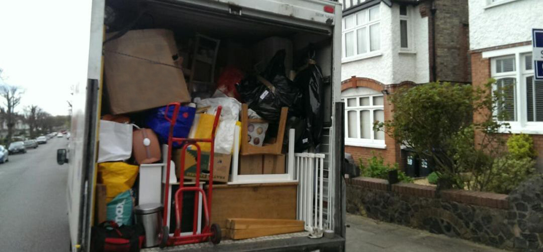 CR7 removalists in Thornton Heath